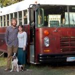 แปลงโฉมรถบัสปี 1978 ให้กลายเป็นรถบ้าน สำหรับคู่แต่งงานใหม่ใช้เดินทางท่องเที่ยว