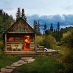 แบบบ้านกระท่อมหลังน้อยน่ารัก ออกแบบตกแต่งสไตล์คลาสสิค กลางขุนเขาและป่าไม้
