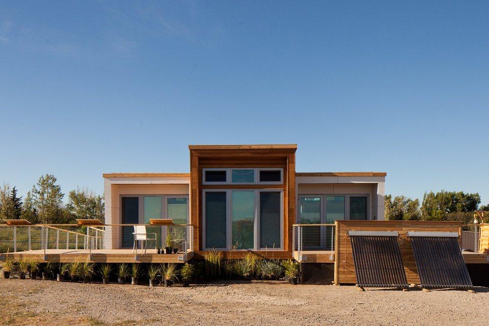 mini solar energy house idea (1)