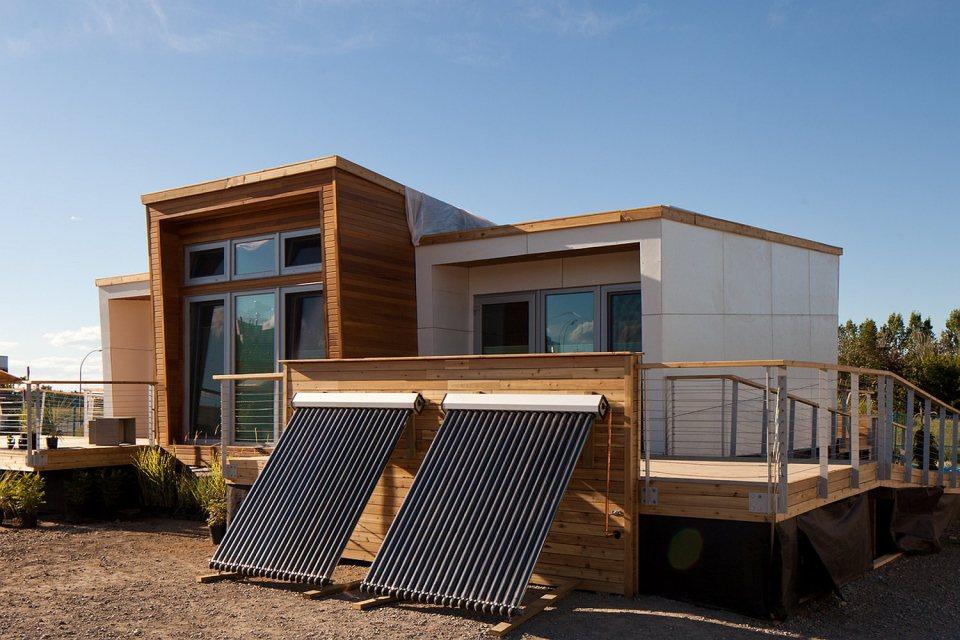 mini solar energy house idea (4)