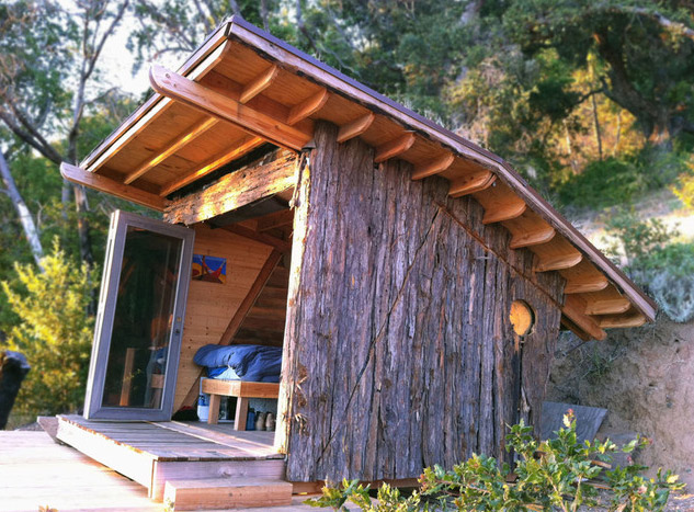 mini-tiny-wooden-house3