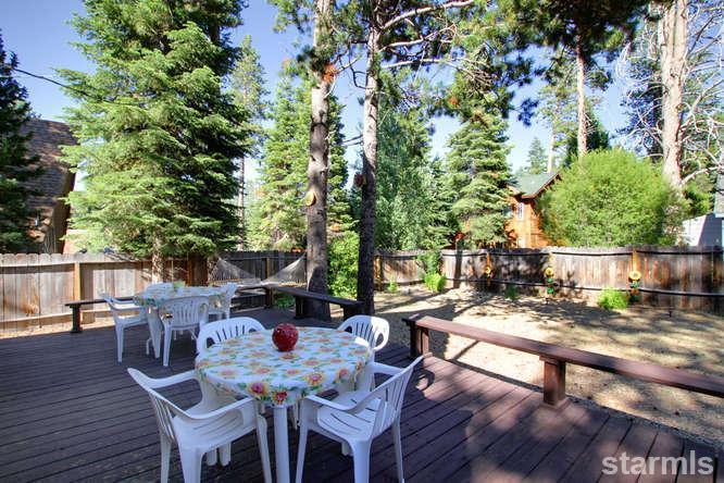 mini wood cabin in lake tahoe usa (11)