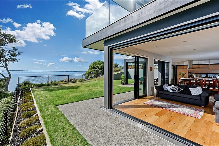 moden contemporary wood sea house with beautiful view (5)