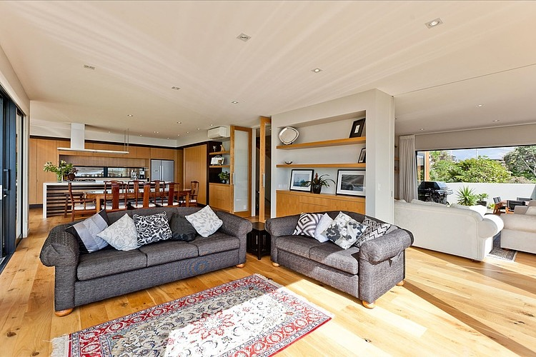 moden contemporary wood sea house with beautiful view (7)