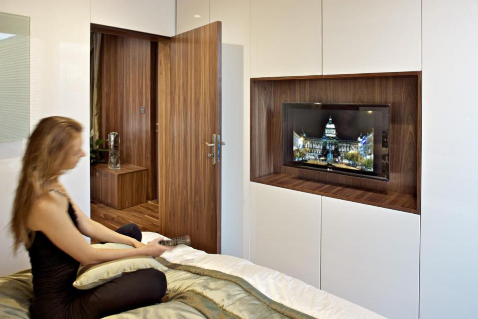 modern compact wooden house for small living (19)