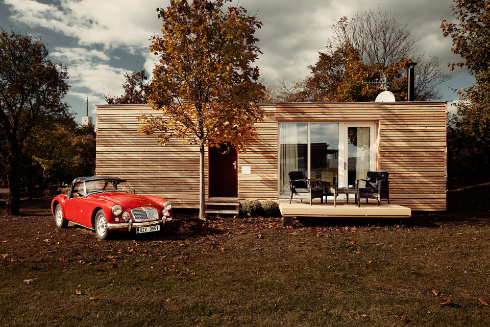 modern compact wooden house for small living (2)