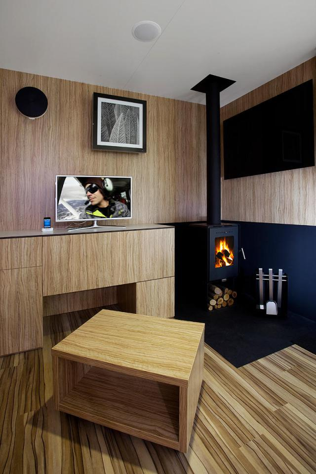 modern compact wooden house for small living (8)