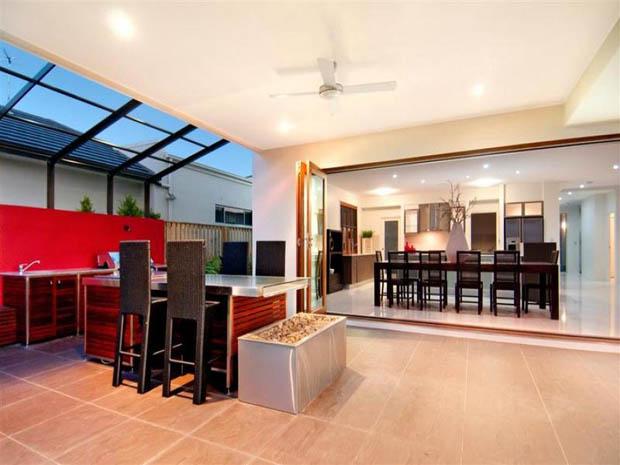 modern contemporary house with garden (13)