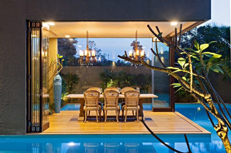 modern contemporary moonsoon house in india (16)