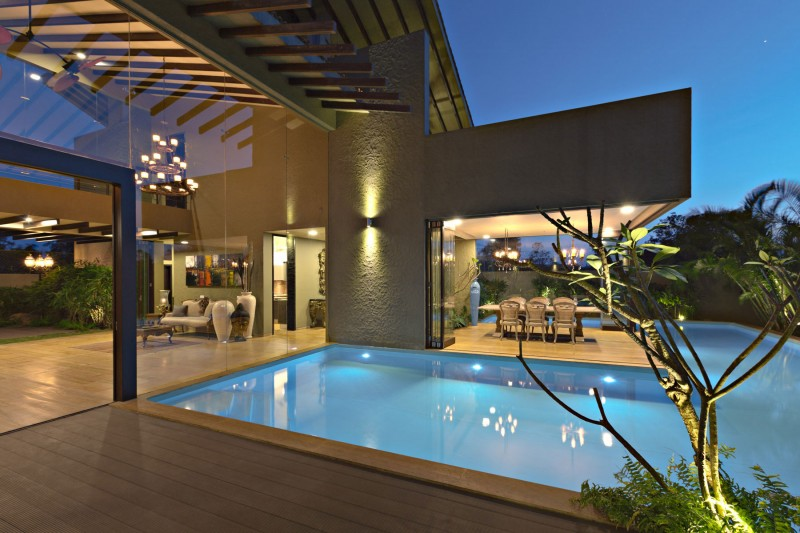 modern contemporary moonsoon house in india (17)