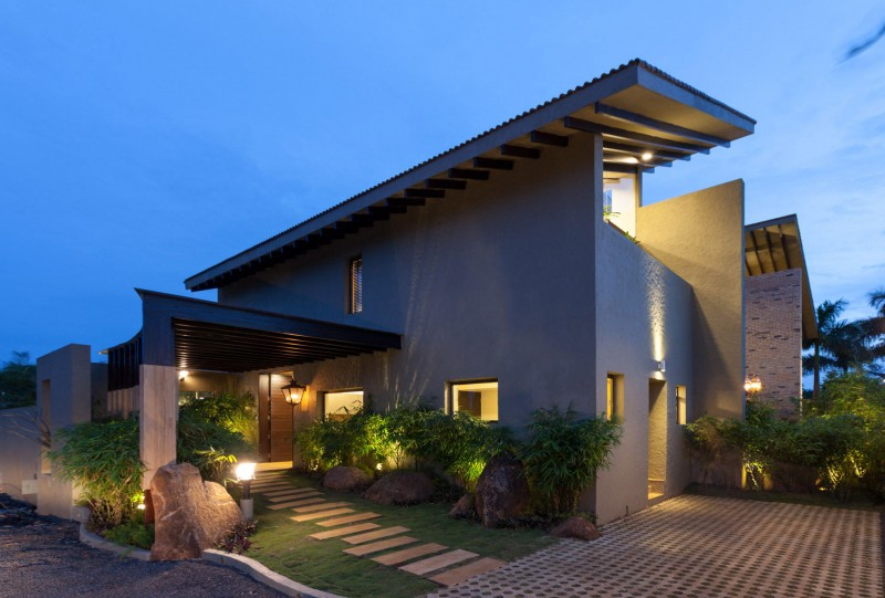 modern contemporary moonsoon house in india (19)