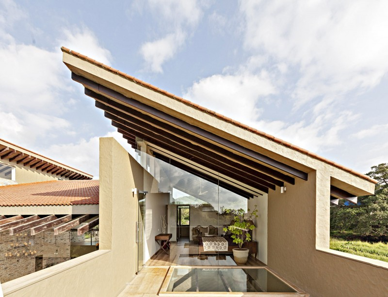 modern contemporary moonsoon house in india (4)
