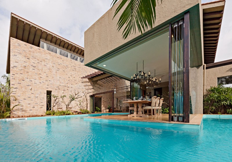modern contemporary moonsoon house in india (8)