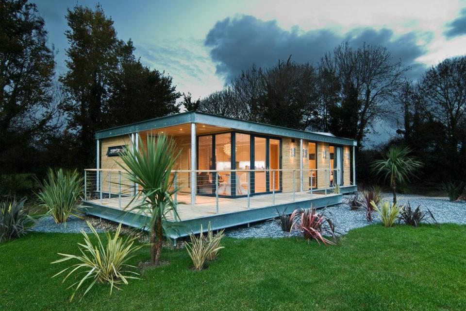 modern house compact living idea (1)