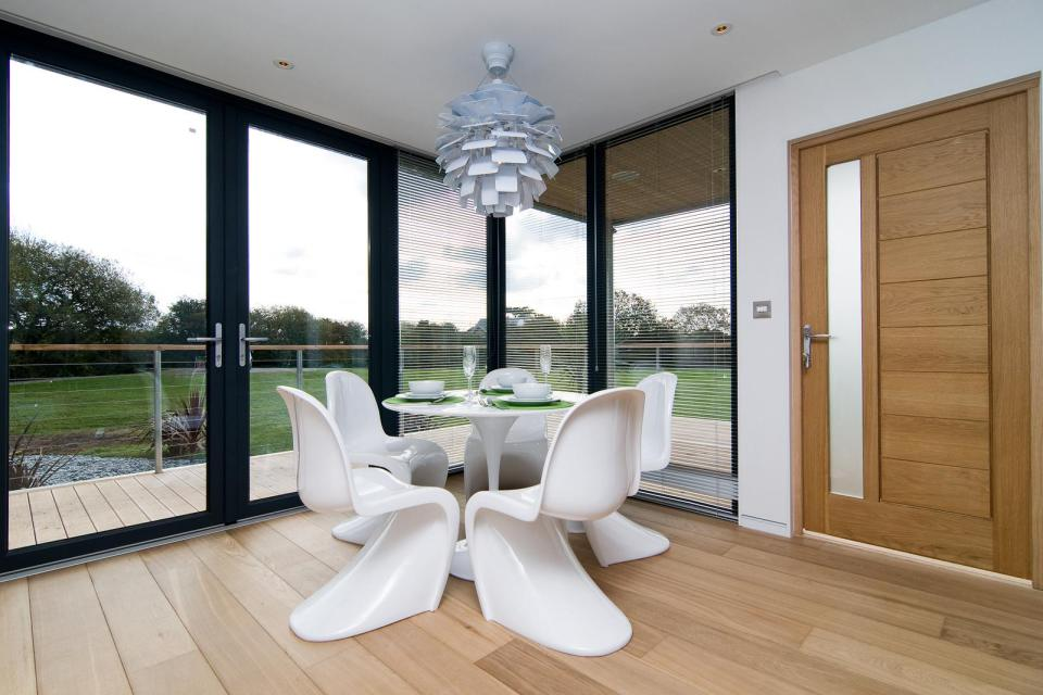 modern house compact living idea (14)
