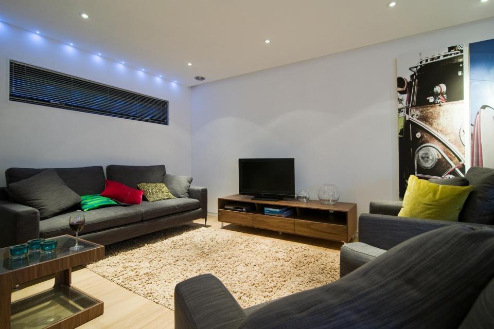 modern house compact living idea (15)