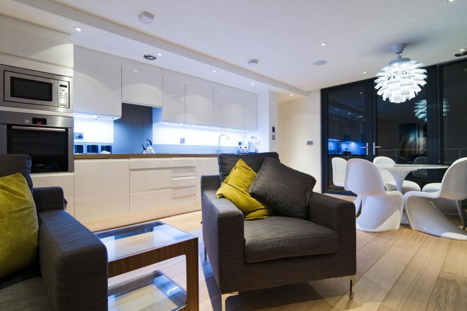 modern house compact living idea (16)