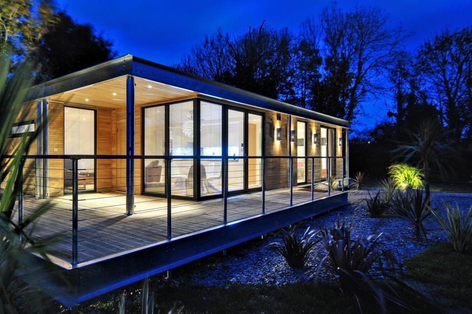 modern house compact living idea (3)