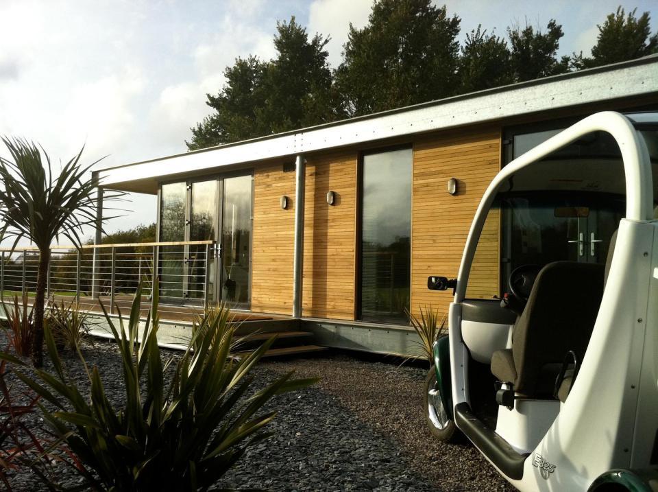 modern house compact living idea (5)