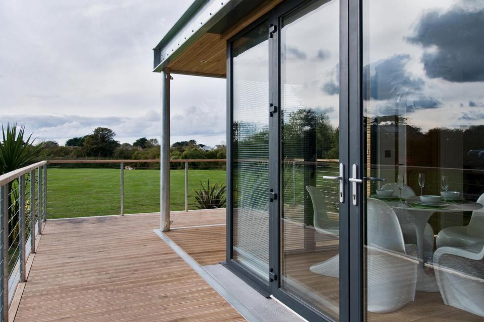 modern house compact living idea (7)