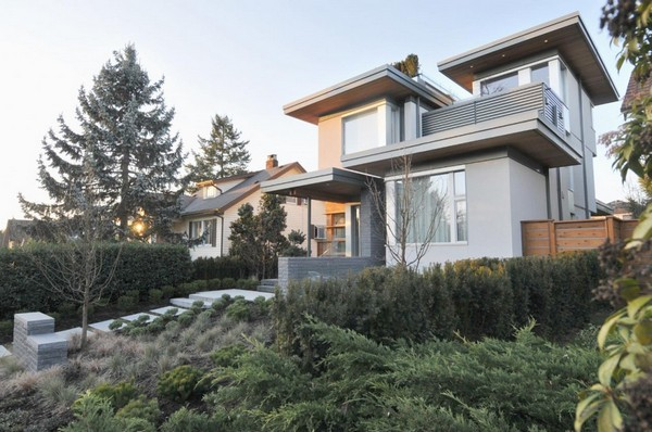 modern house with nature surrounding in city (4)