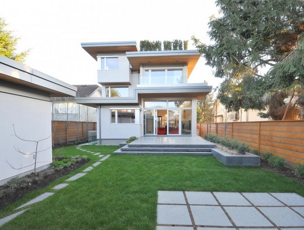 modern house with nature surrounding in city (5)