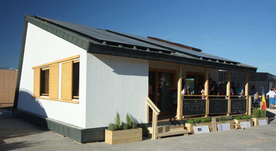 modern loft solar power house (3)