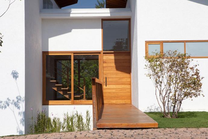 modern tropical house (13)