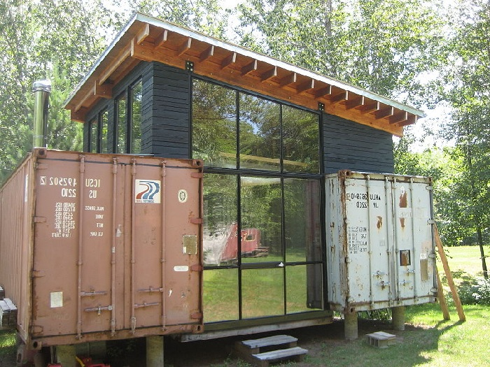 shipping-container-cottage-ideas