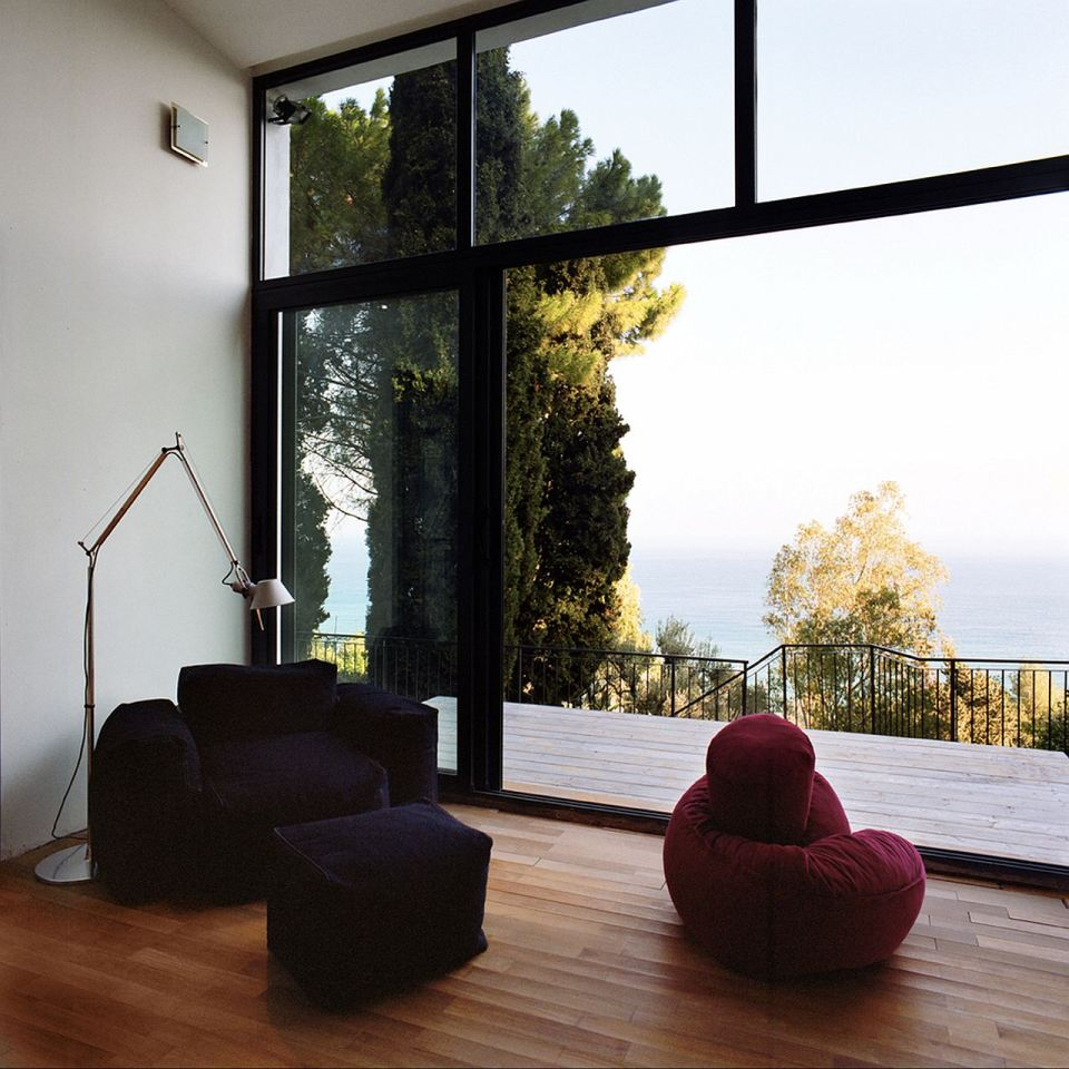 small box classic contemporary loft minimal house in italy (10)