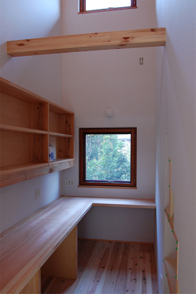 small compact wood house in japan kyoto (12)