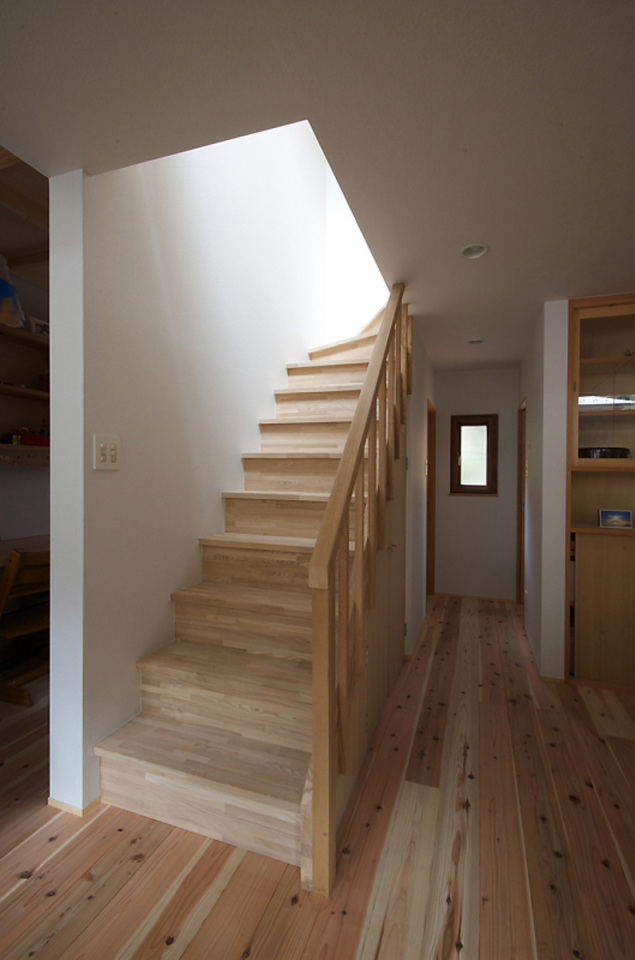small compact wood house in japan kyoto (13)