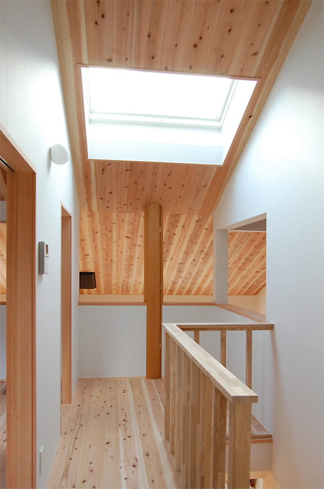 small compact wood house in japan kyoto (14)