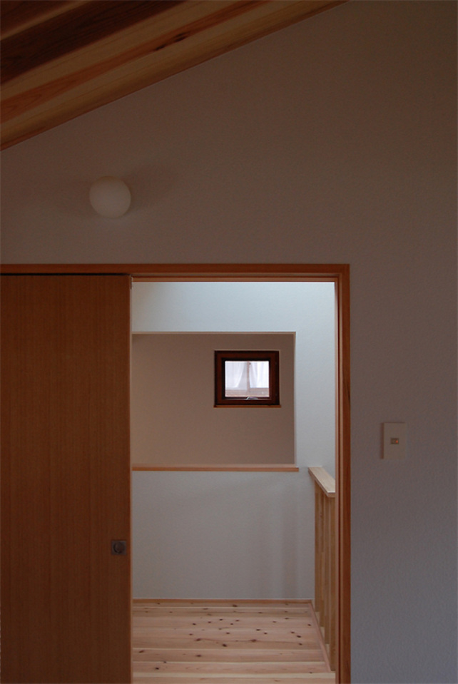 small compact wood house in japan kyoto (16)