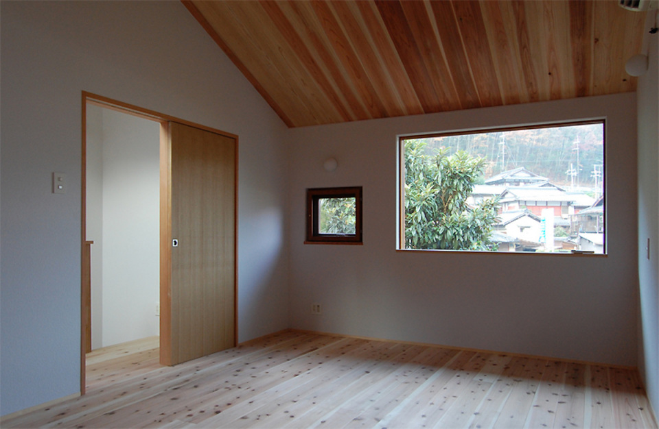 small compact wood house in japan kyoto (17)