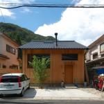 บ้านไม้หลังเล็กแบบคอมแพ็ค เพื่อการใช้ชีวิตเรียบง่ายสบายๆ ในประเทศญี่ปุ่น