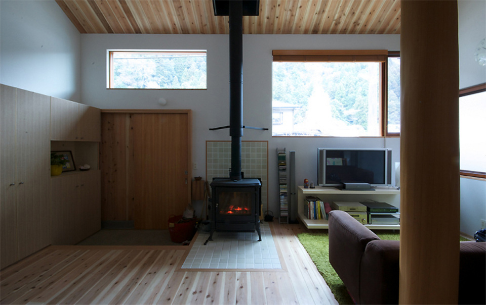 small compact wood house in japan kyoto (6)