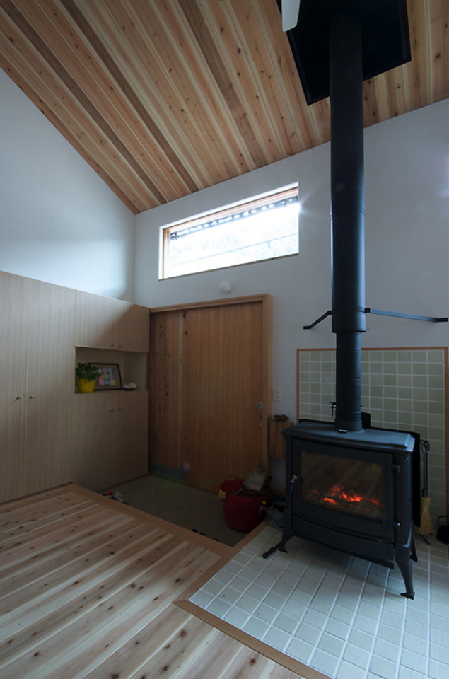 small compact wood house in japan kyoto (7)