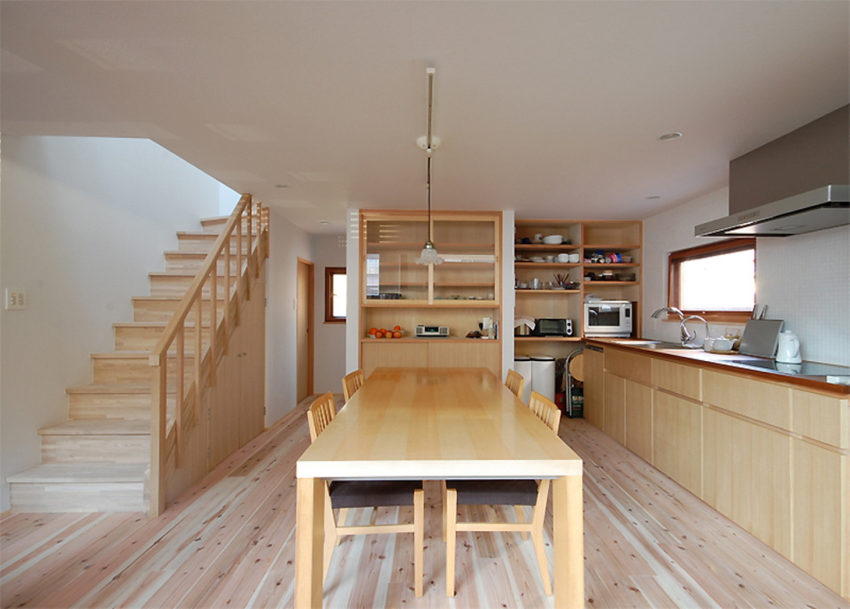 small compact wood house in japan kyoto (9)
