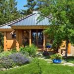 บ้านกระท่อมไม้ที่ดูเรียบง่าย หลังเล็กเพียง 27 ตร.ม. ราคาประหยัดสำหรับคนงบน้อย
