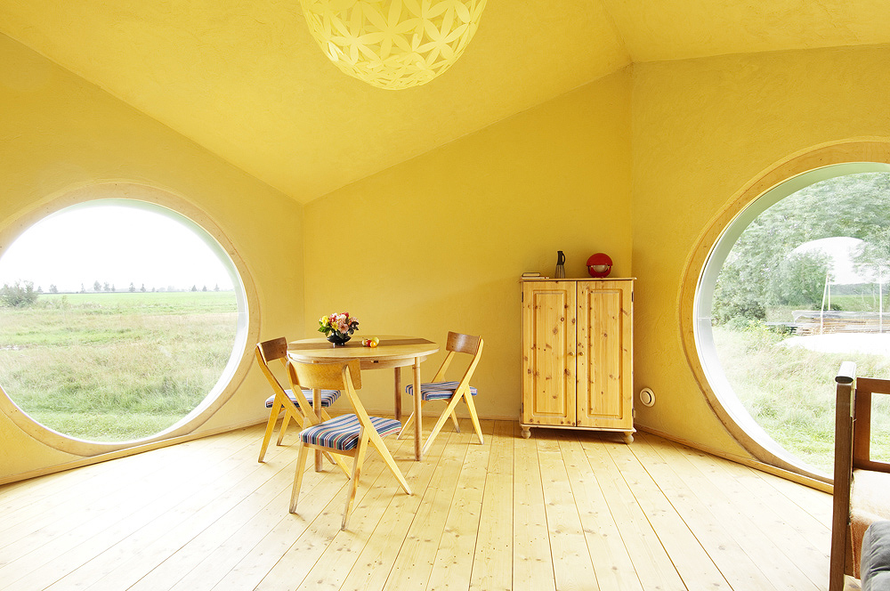 small cottage house suitable living (14)