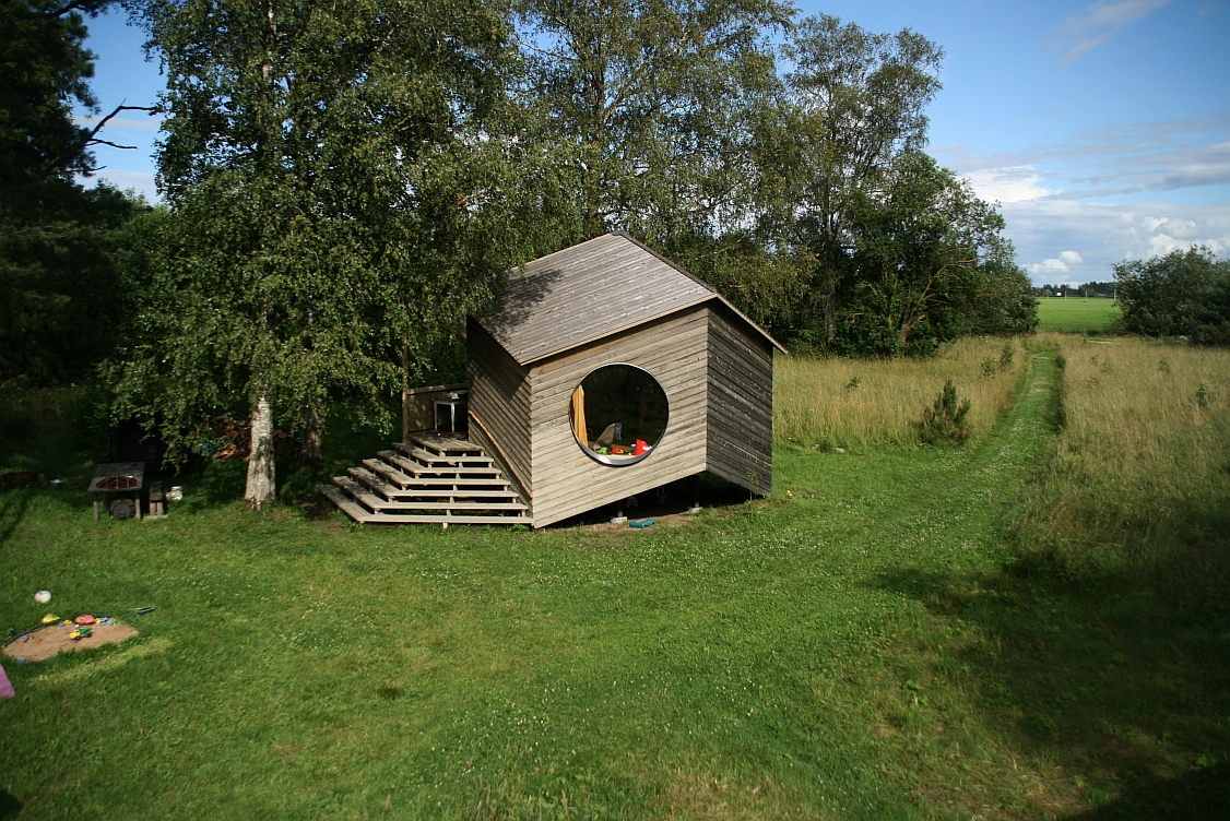 small cottage house suitable living (2)