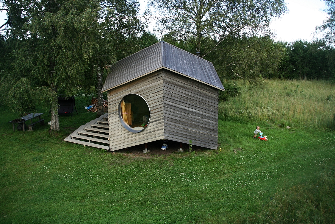 small cottage house suitable living (4)