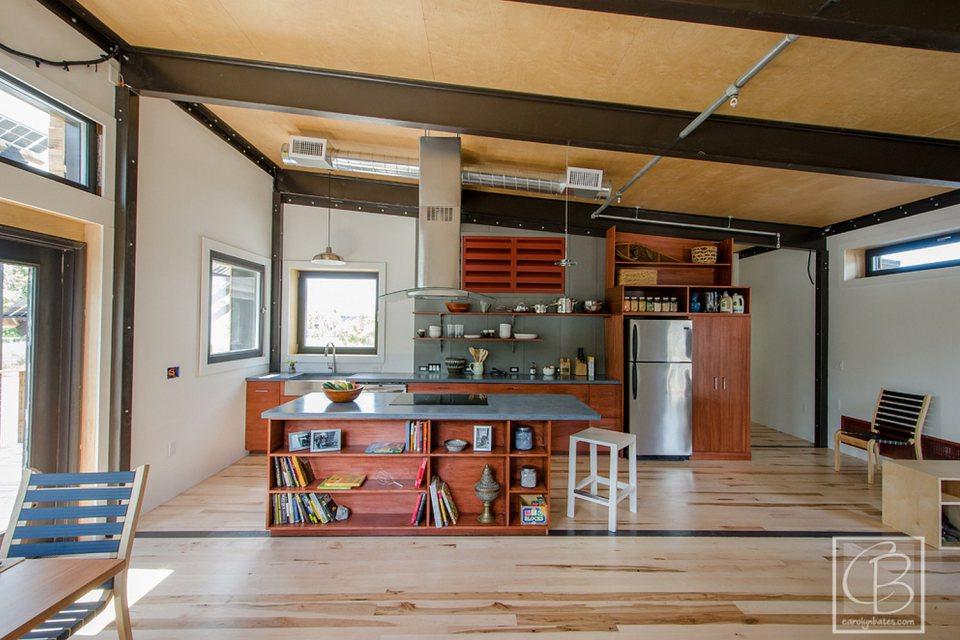 solar energy small wooden house cool idea (10)