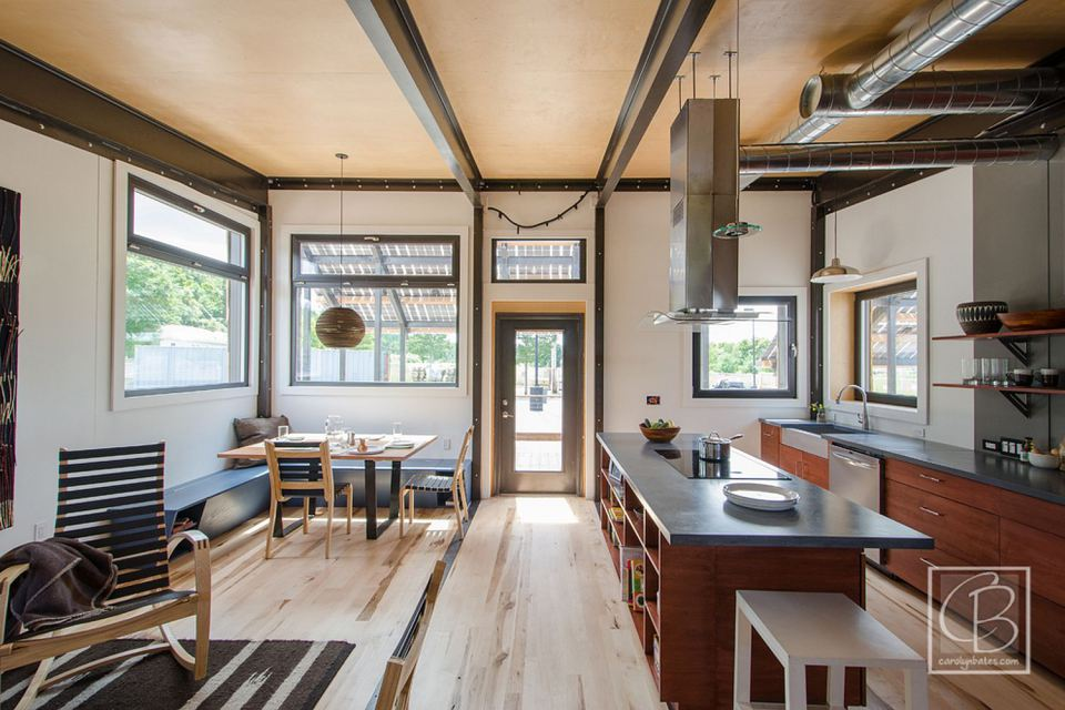 solar energy small wooden house cool idea (15)