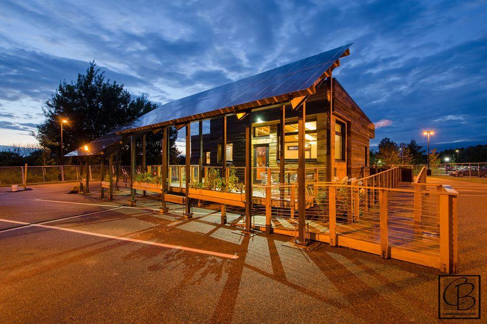 solar energy small wooden house cool idea (16)