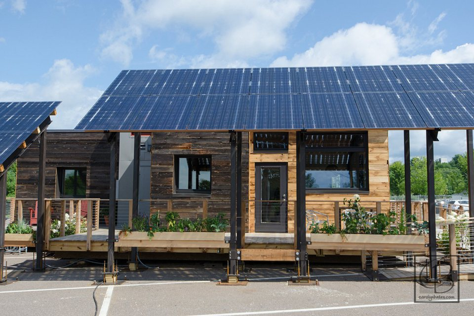 solar energy small wooden house cool idea (18)