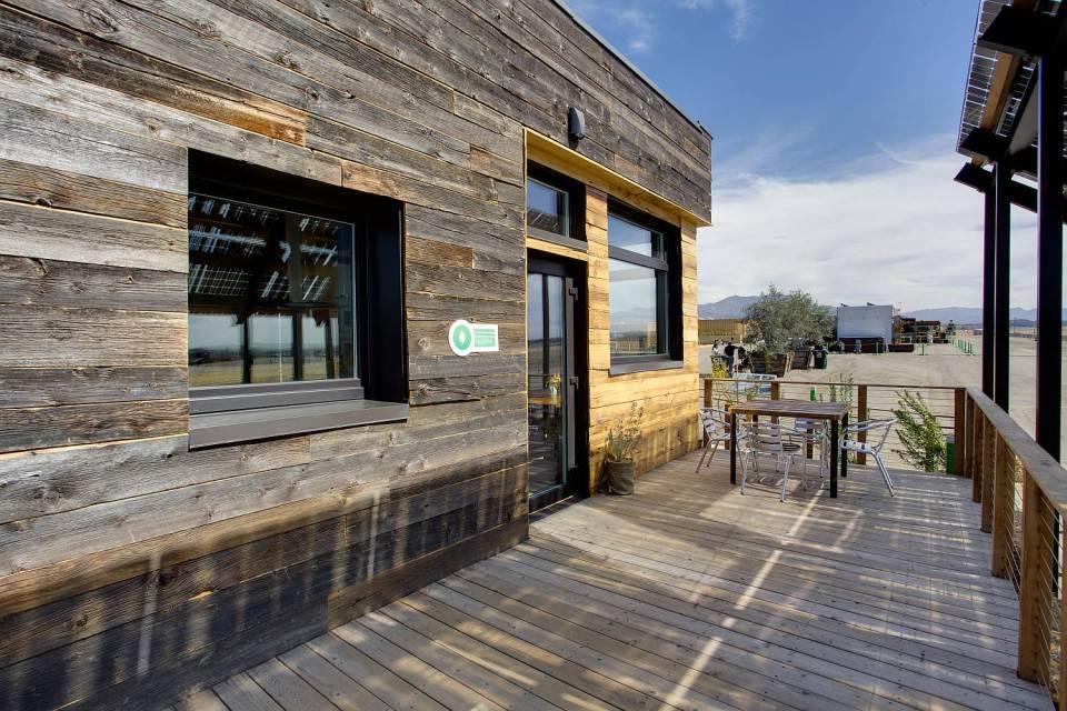 solar energy small wooden house cool idea (19)