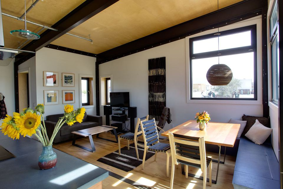 solar energy small wooden house cool idea (2)