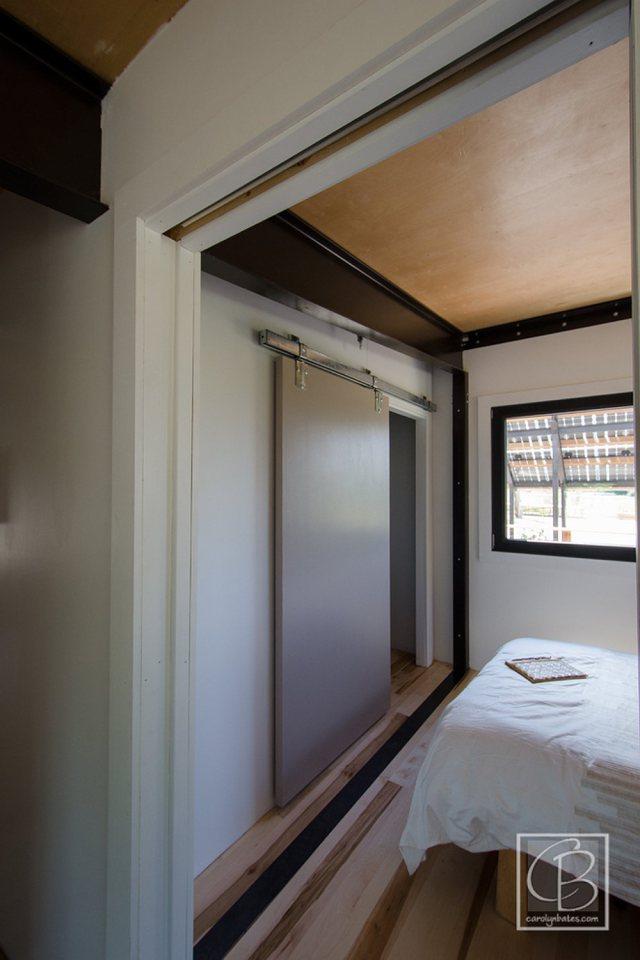 solar energy small wooden house cool idea (3)